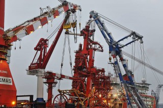 Huisman installs multi-lay tower on 'Lewek Constellation'