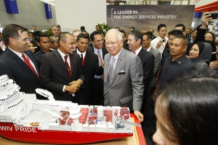 OTC Asia 2016 - Malaysian Prime Minister visits exhibition